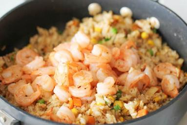 Chicken and Shrimp fried rice that tastes heavenly},{Chicken and Shrimp fried rice that tastes heavenly