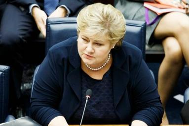 Norwegian Prime Minister Erna Solberg Caught Playing Pokemon Go in Parliament!